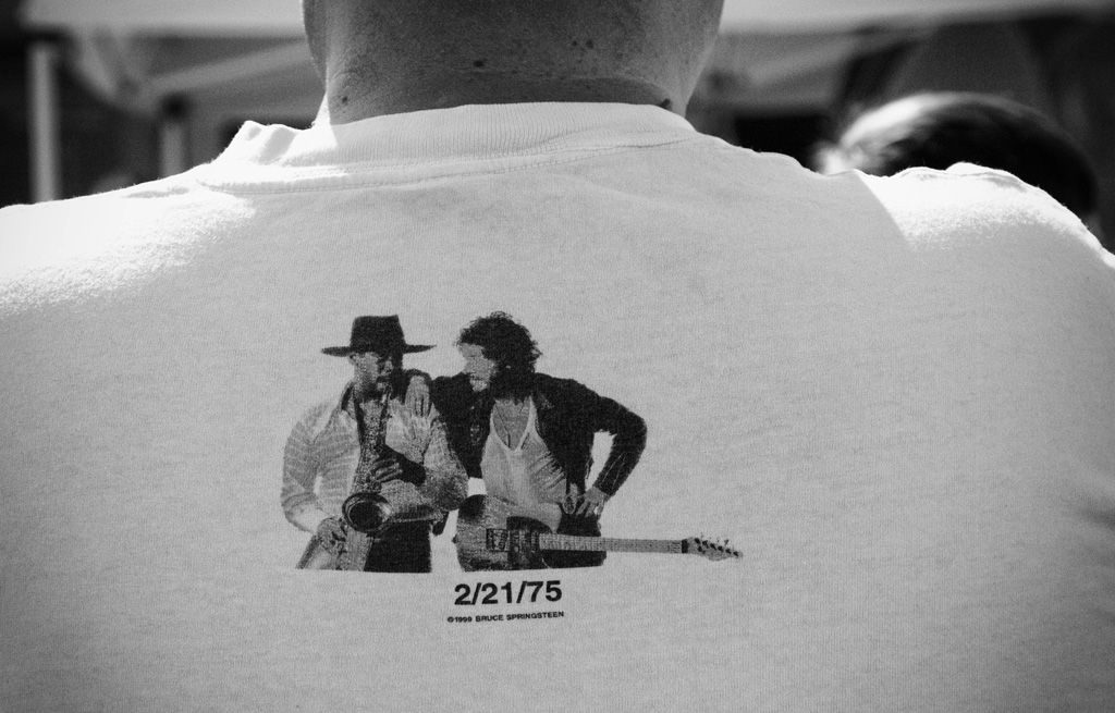 (c)JerseyStyle_Photography_ClarenceClemons_275shirt_June2010_8854