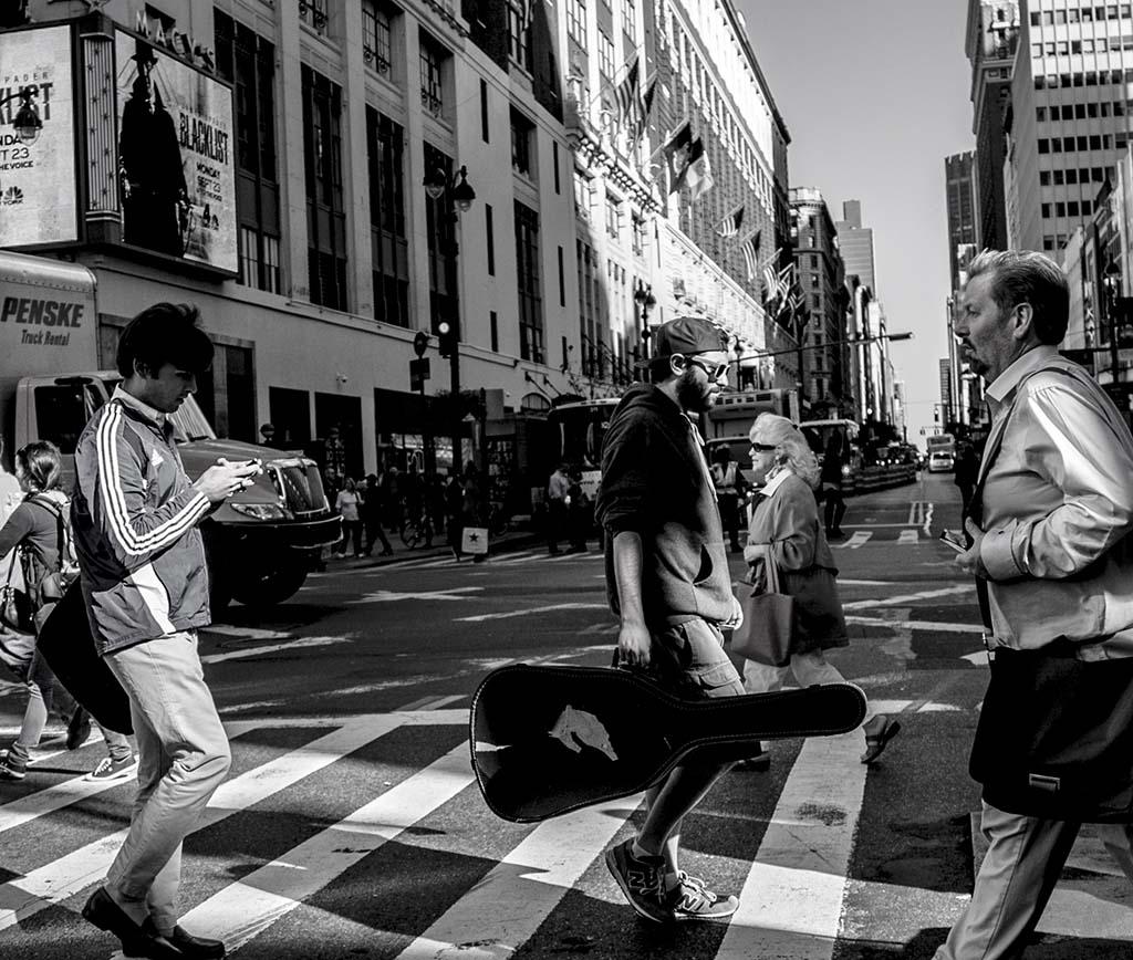 (c)JerseyStyle_Photography_Guitar Man2_NYC_092013_2733
