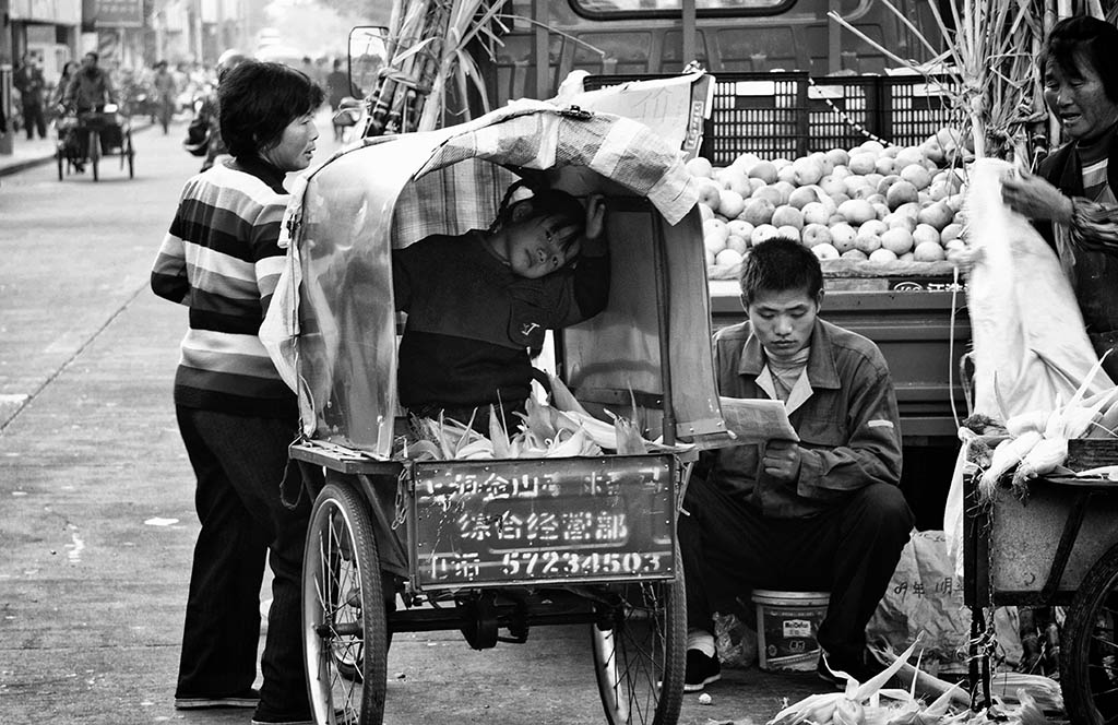 (c)JerseyStyle_Photography_food sellers_bw_112010_0384