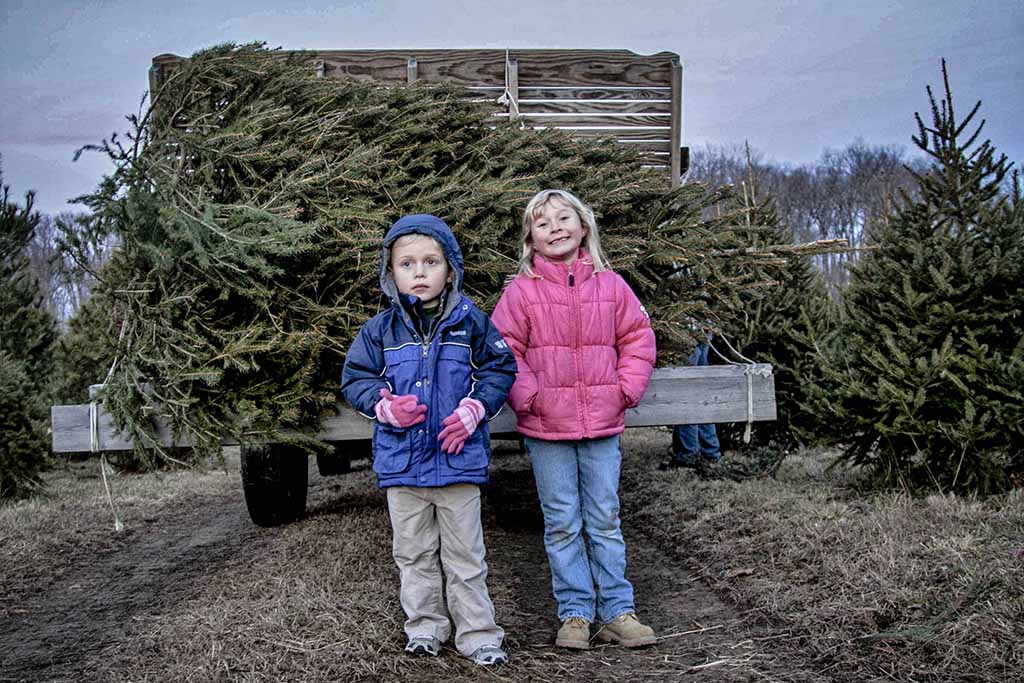 (c)JerseyStyle_Photography_Kids with Tree3_122013_6945