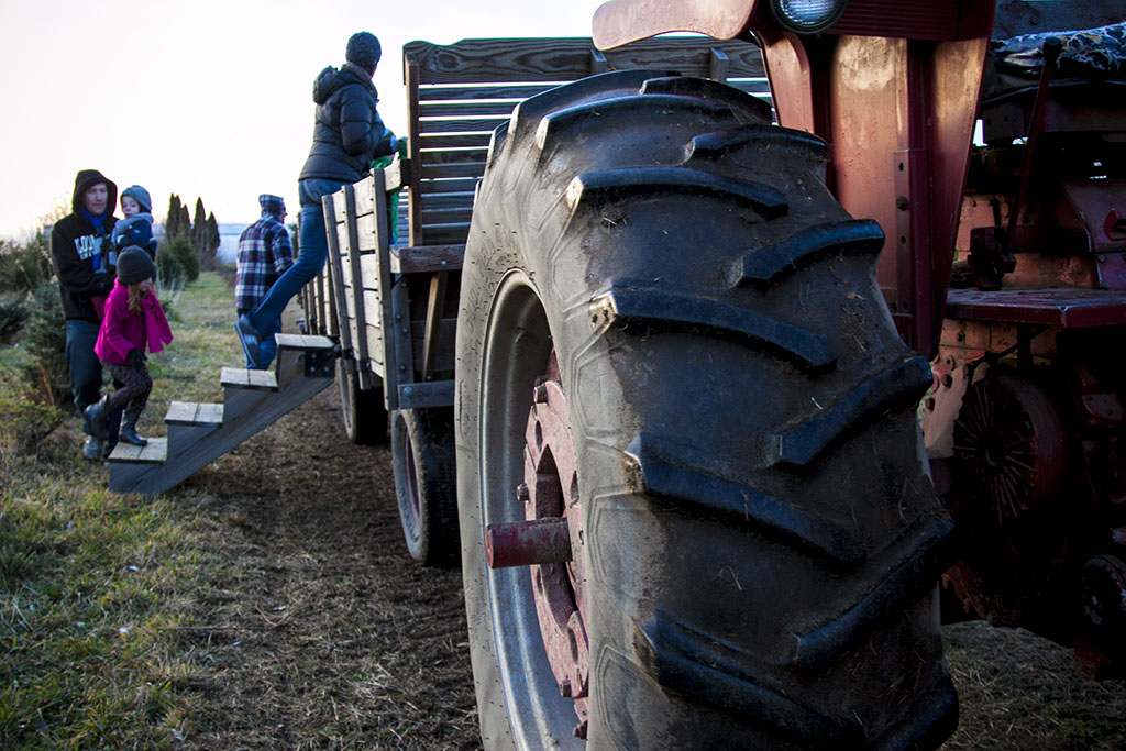 (c)JerseyStyle_Photography_Tractor_122013_6914