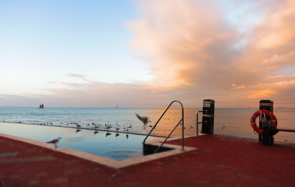 (c)JerseyStyle Photography_Pool Scene_Cape Town_022014_1149