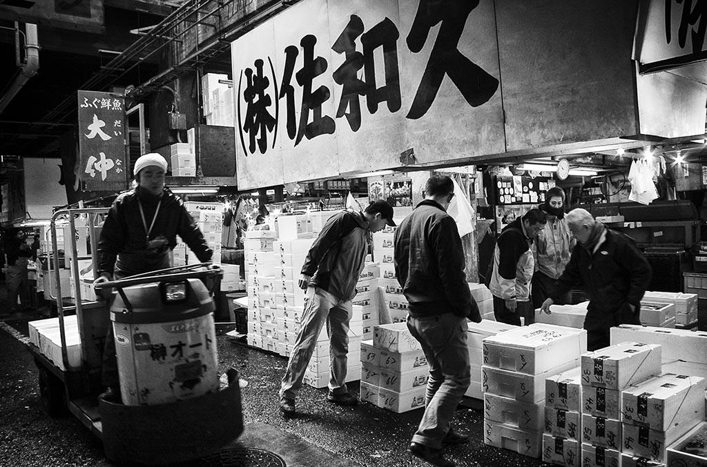 (c)JerseyStyle Photography_Tsukiji interior1_bw_2010_9312