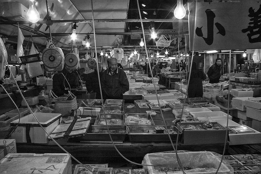 (c)JerseyStyle Photography_Tsukiji Marketfloor_bw_2010_9273