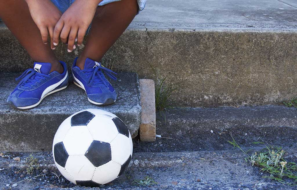 (c)JerseyStyle Photography_Soccer ball_bw_022014_1910