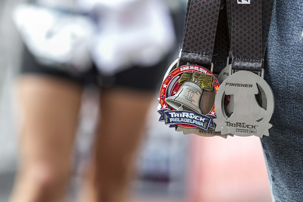 (c)JerseyStyle Photography_TriRockT_Medals_062014_3745