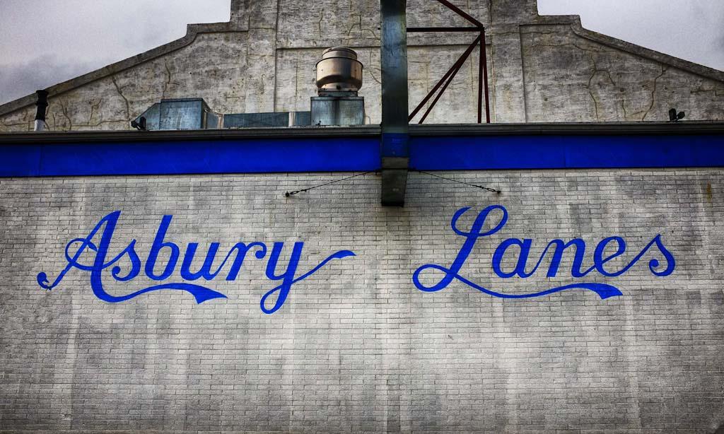 (c)JerseyStyle Photography_Asbury Lanes2_122415_DSCF0300.jpg
