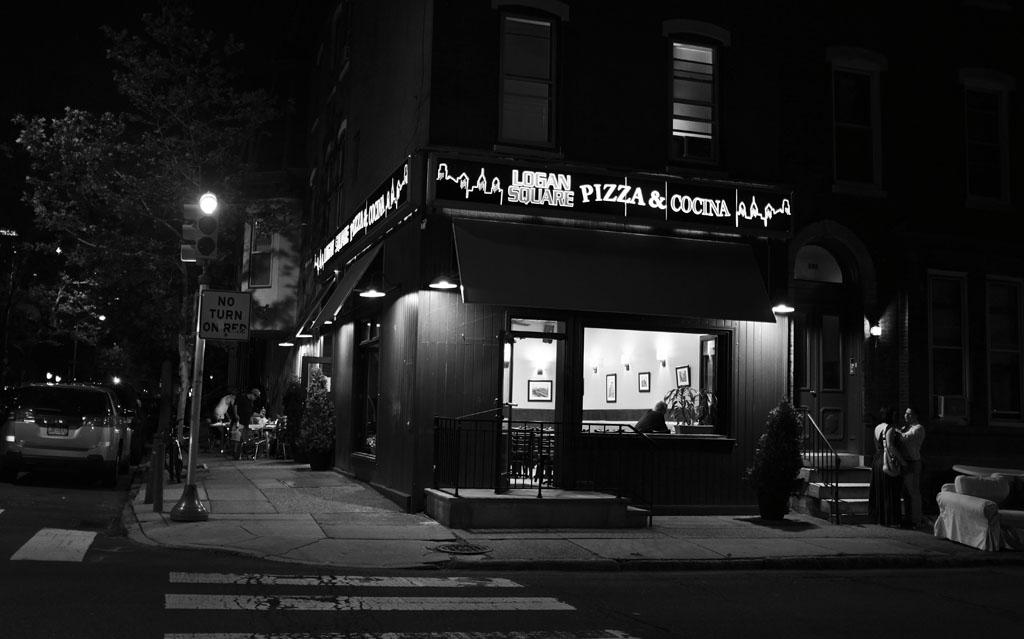 (c)JerseyStyle Photography_Logan Square Pizza_BW_062016_DSCF4721