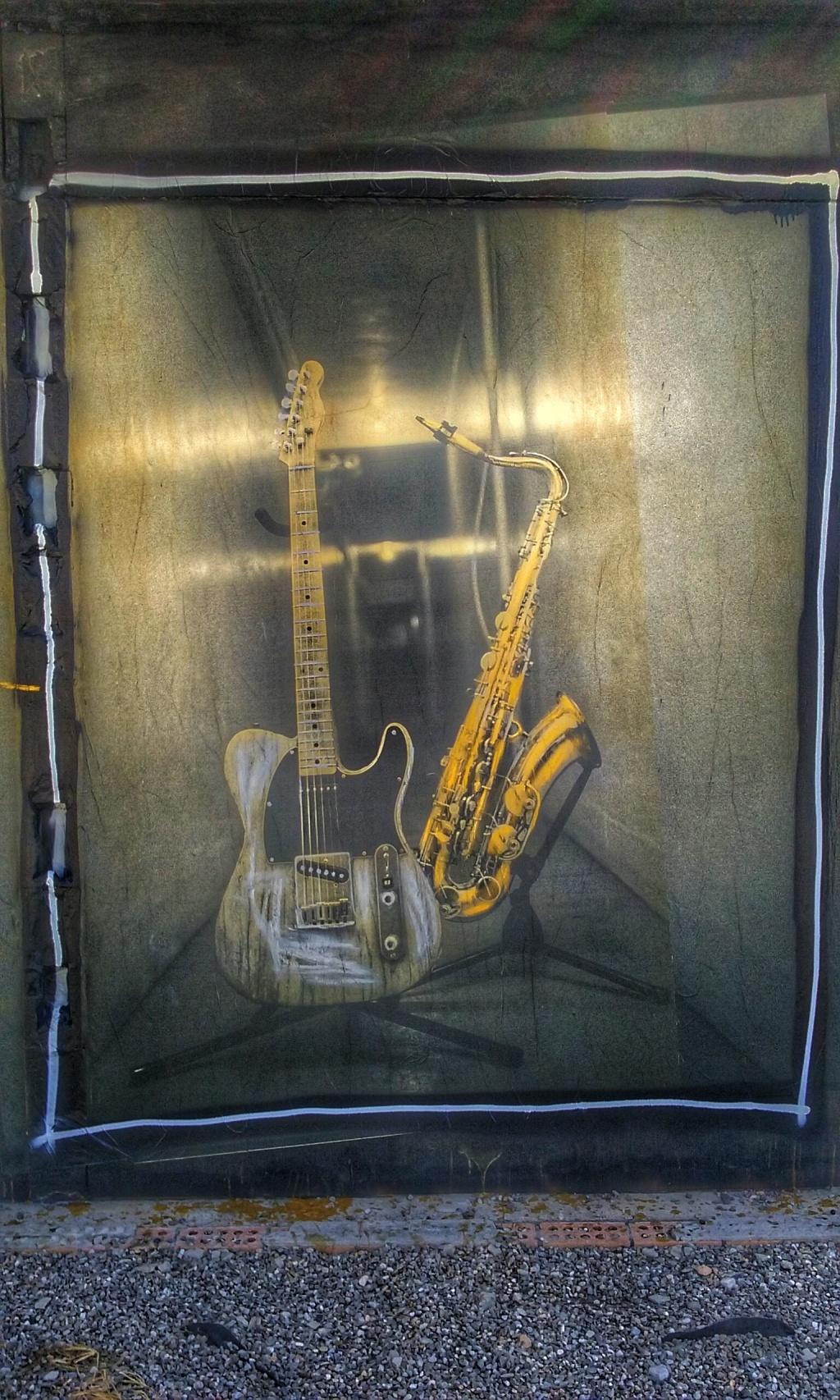 samsung-guitar-sax