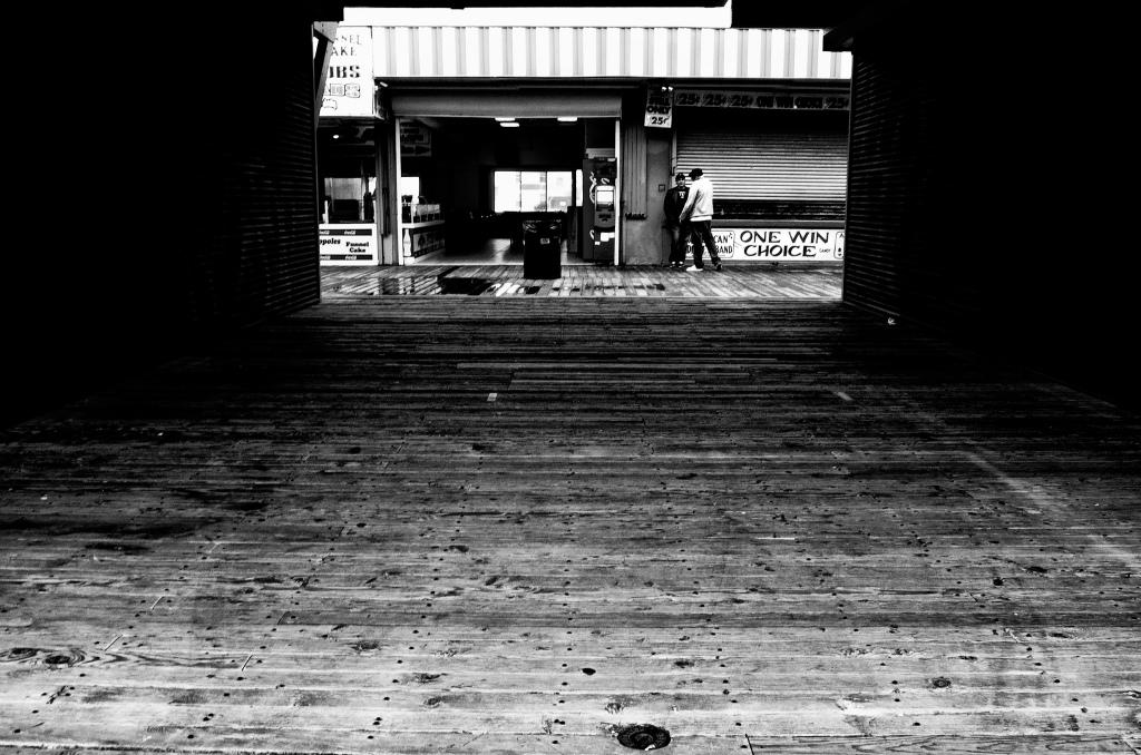 boardwalk-meeting