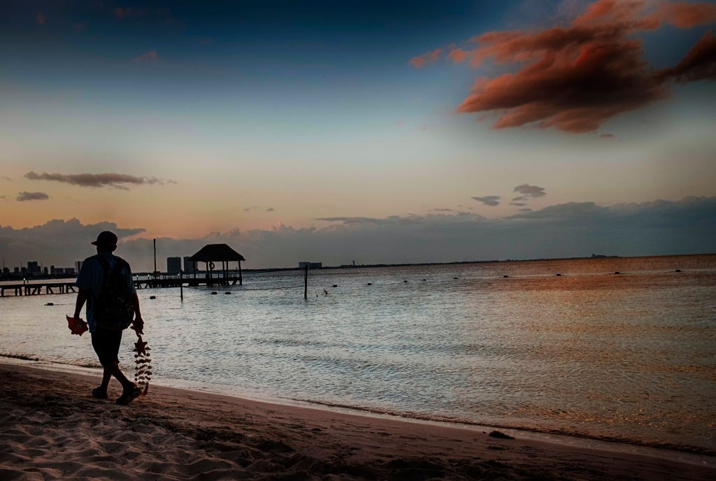Beach Walk_Cancun Mexico_020217_DSCF4121