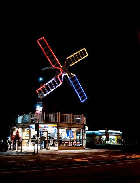 Windmill Hot Dogs_011319_DSCF4052.jpg